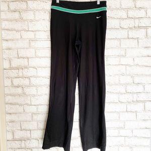 Nike Be Strong Black Boot Cut Yoga Pants SZ Small